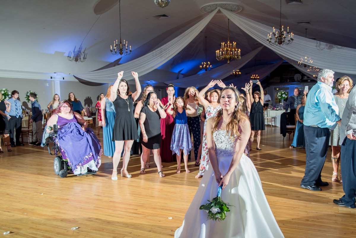 bouquet toss sunnybrook ballroom wedding pottstown PA