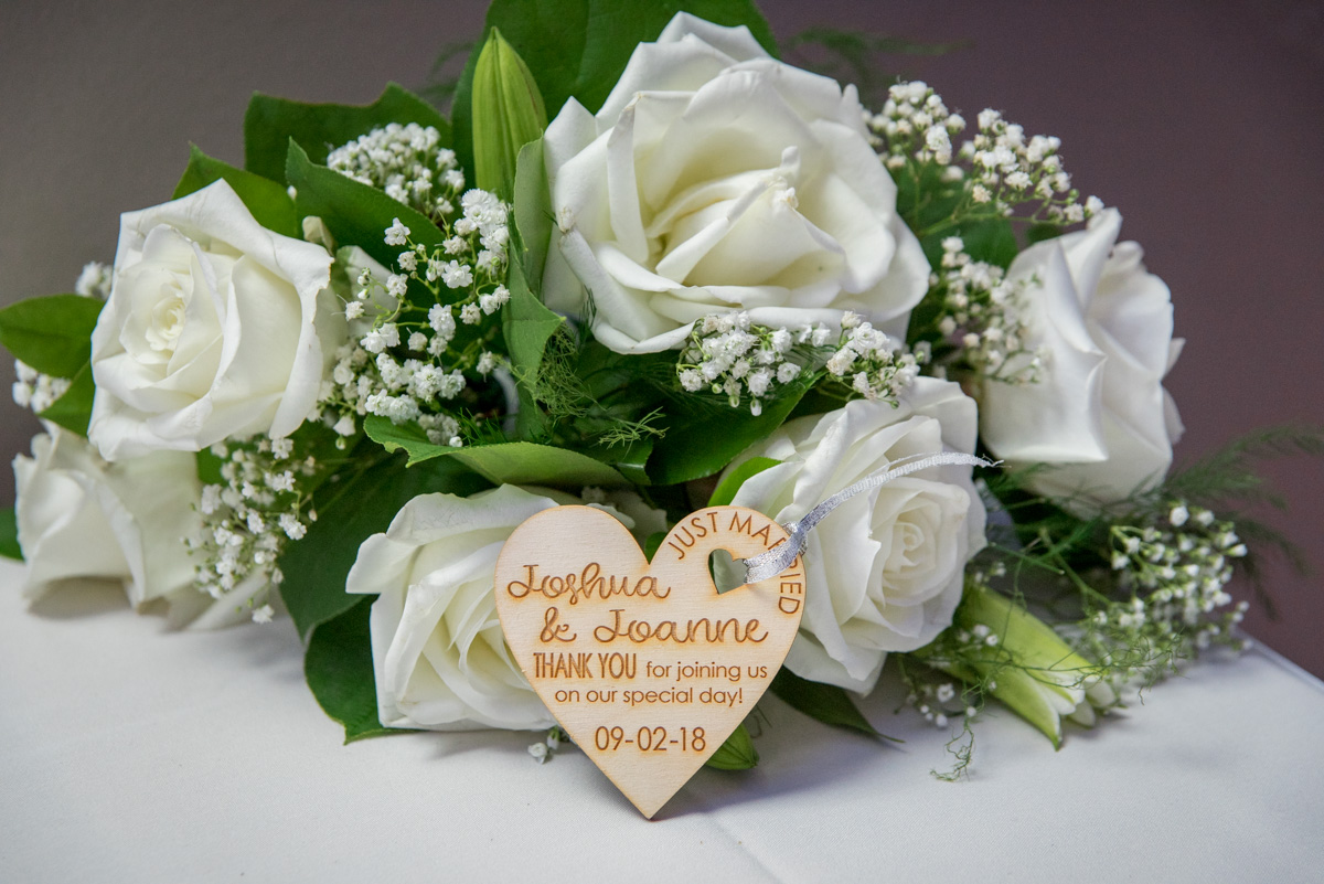 wedding favors wood heart ornaments with engraved names