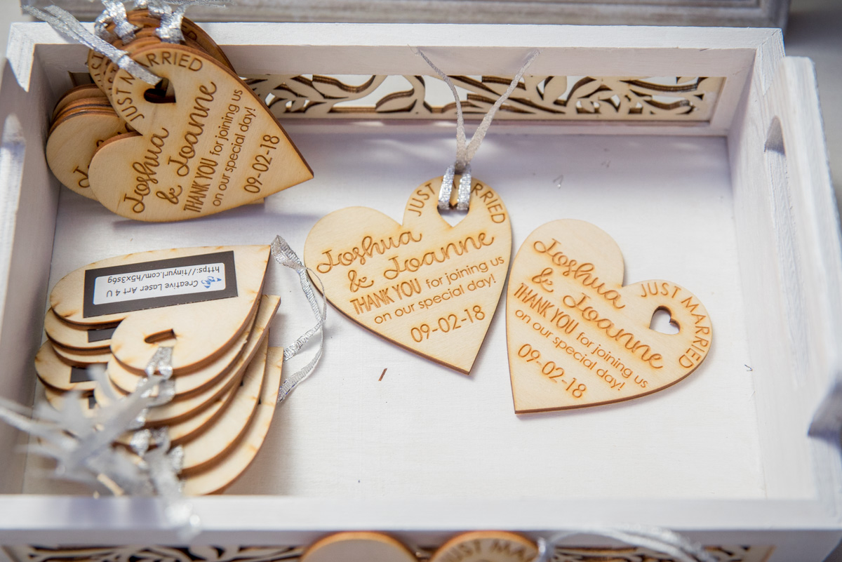 cute wedding favor ideas wood hearts